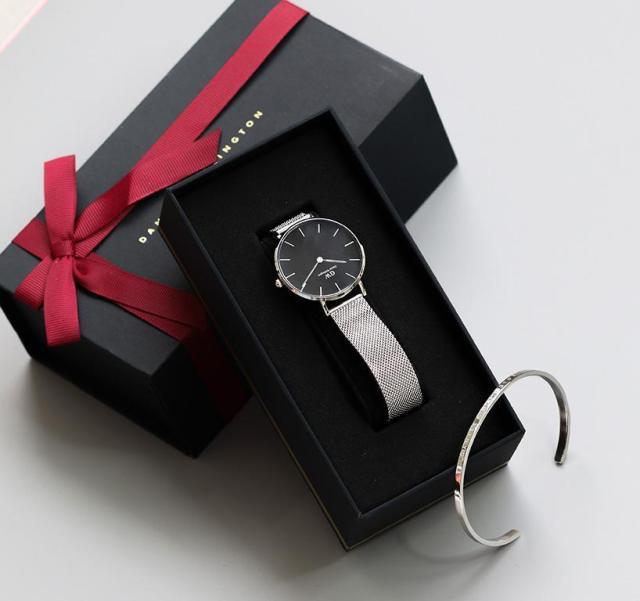 89a4ed7f6 Dámske hodinky ako darček? Tu je našich 5 zaručených tipov, s ktorými to  máte v suchu | HODINKY.SK | hodinky, šperky, okuliare, doplnky, fashion