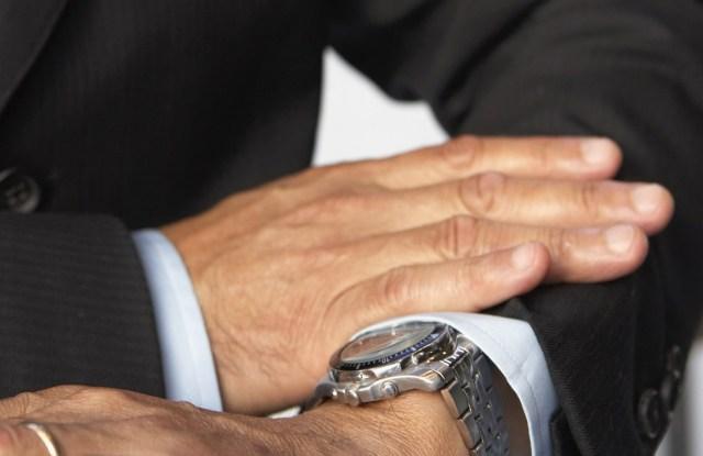 4b3fec1f2 Viete nosiť svoje hodinky? Tieto štyri chyby nikdy neurobte! | HODINKY.SK |  hodinky, šperky, okuliare, doplnky, fashion